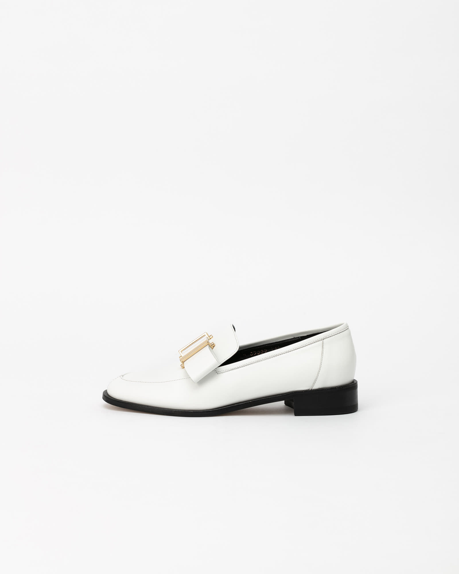 Dosoro Slip-on Loafers in Pure White