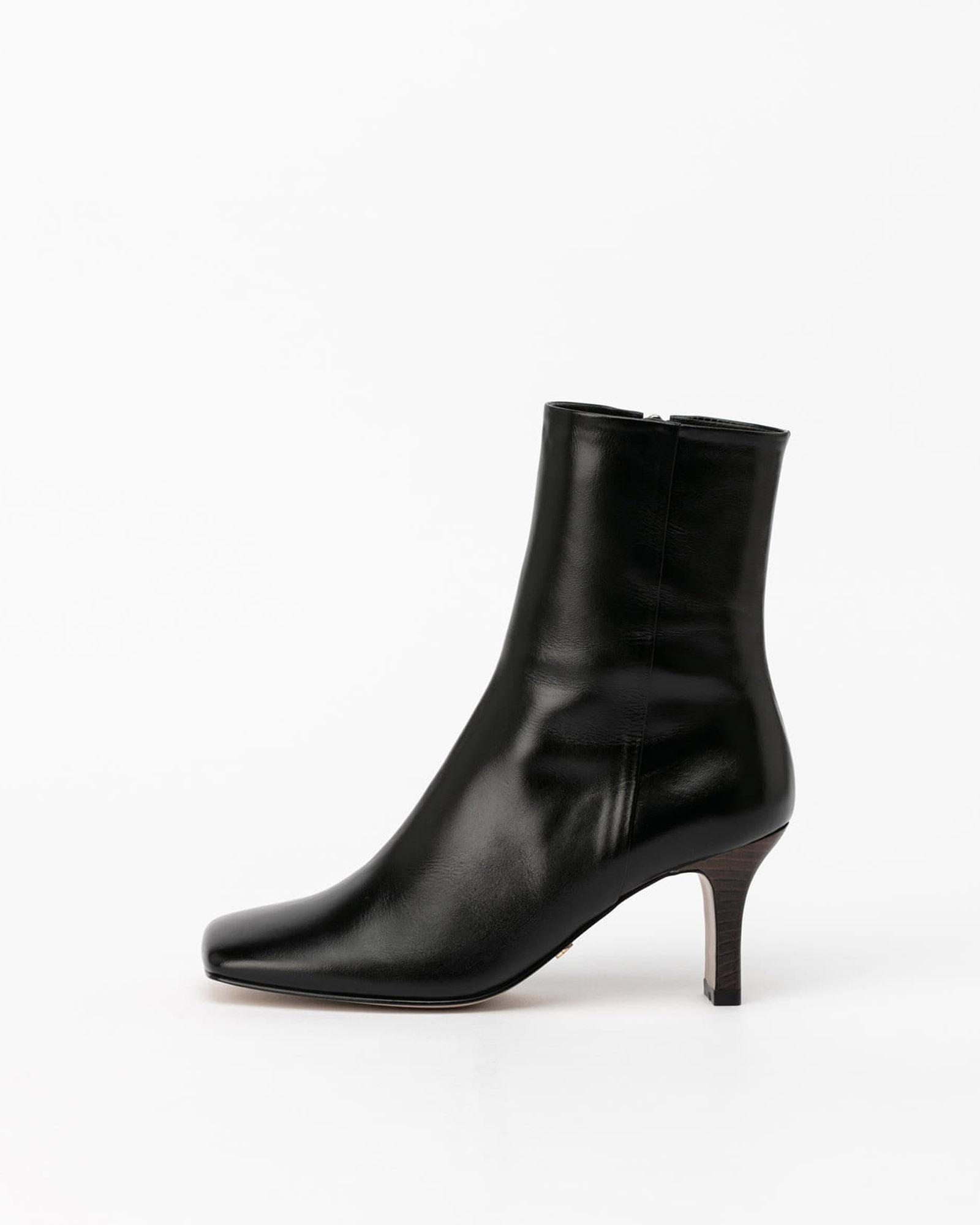 Lamon Boots in Textured Black