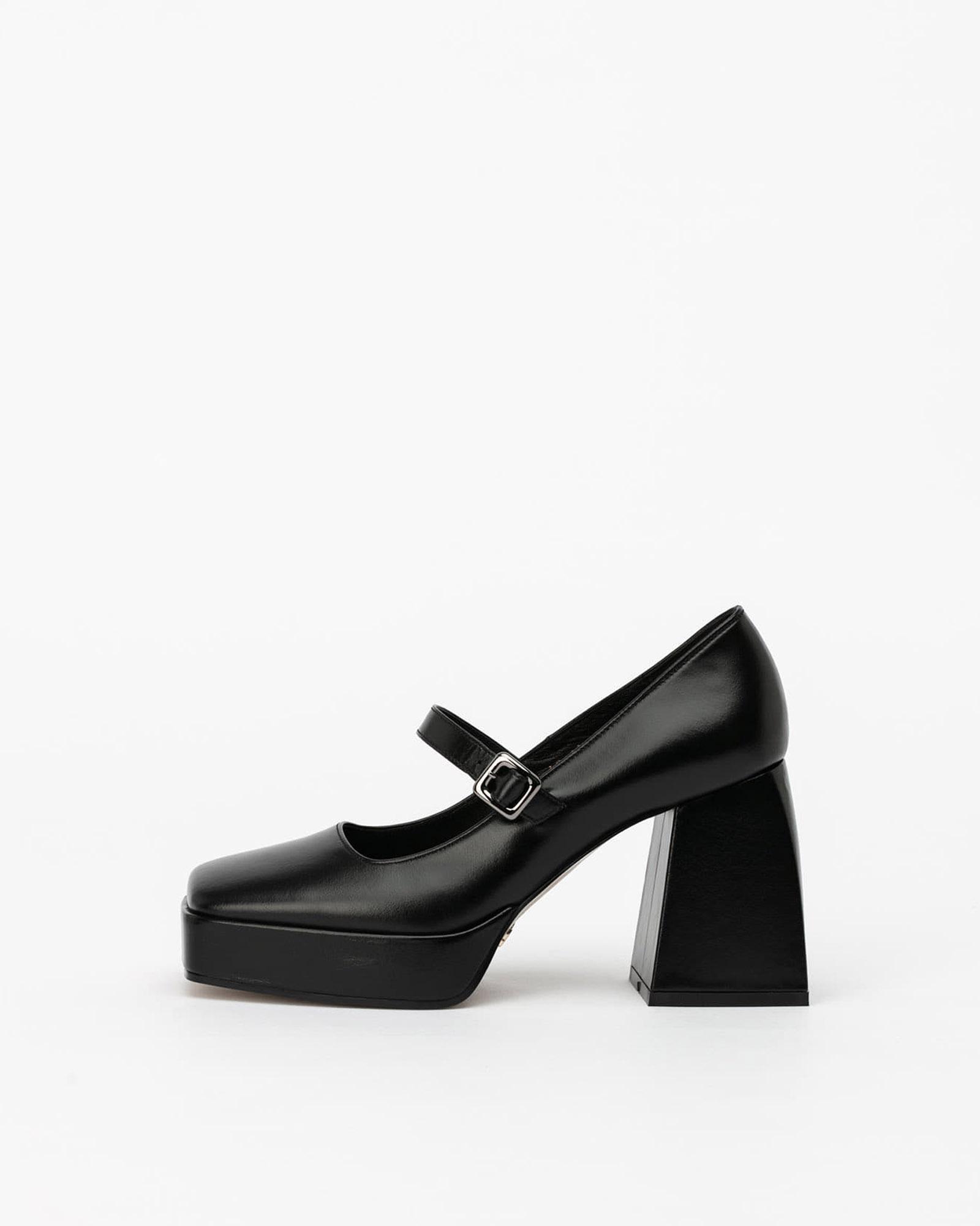 Catus Maryjane Pumps in Black