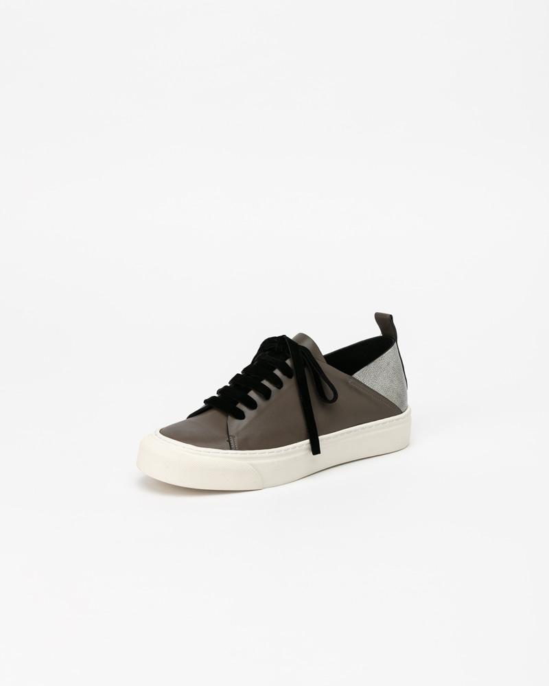 Lucello Sneakers in Gray and Silver