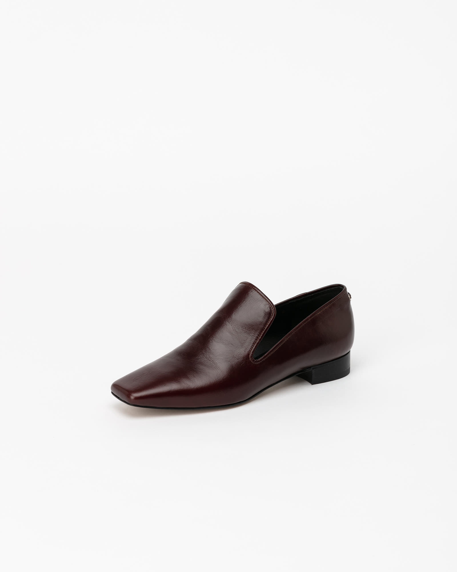 Abel Slip-on Loafers in Textured Wine