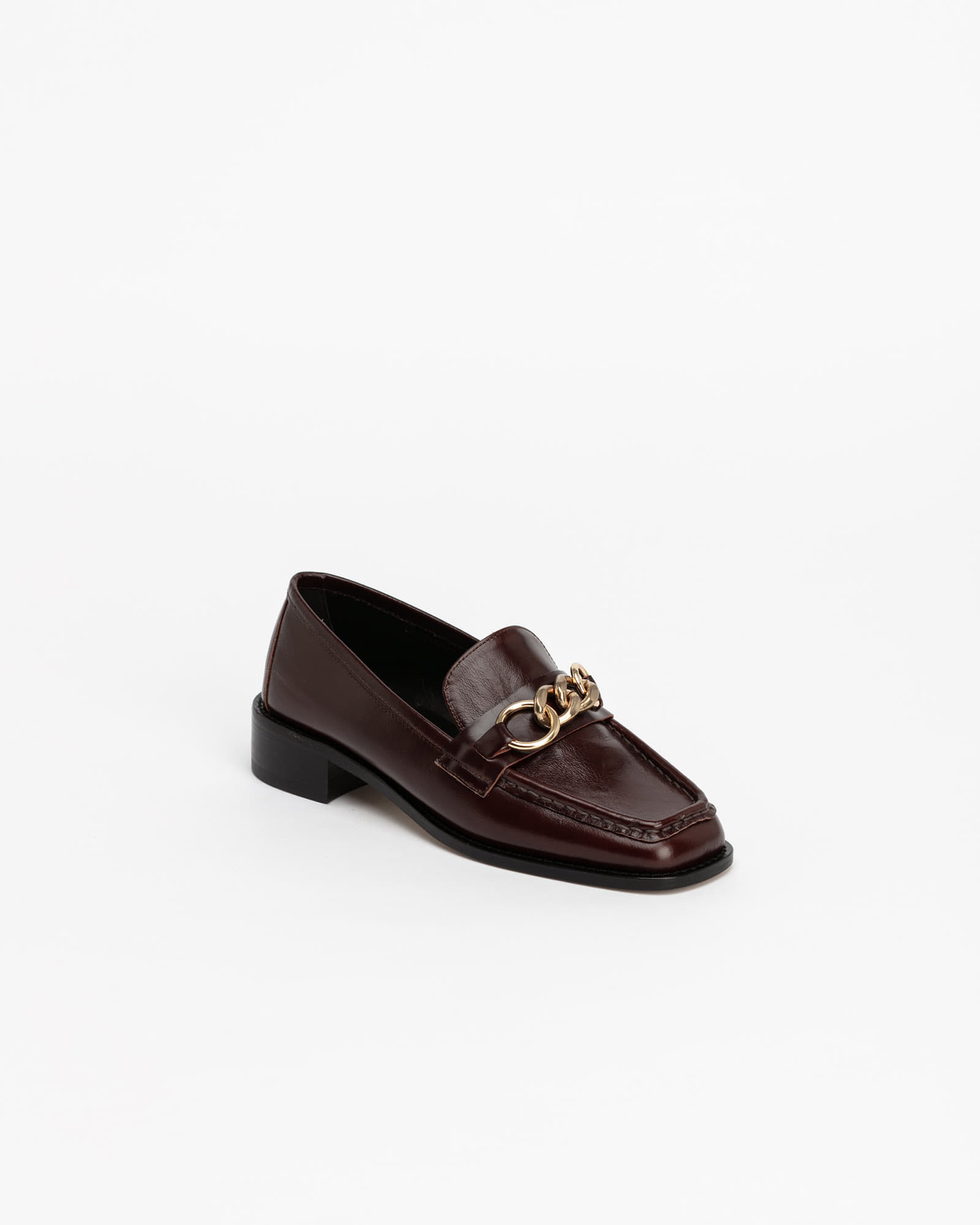Greta Chained Soft Loafers in Textured Wine