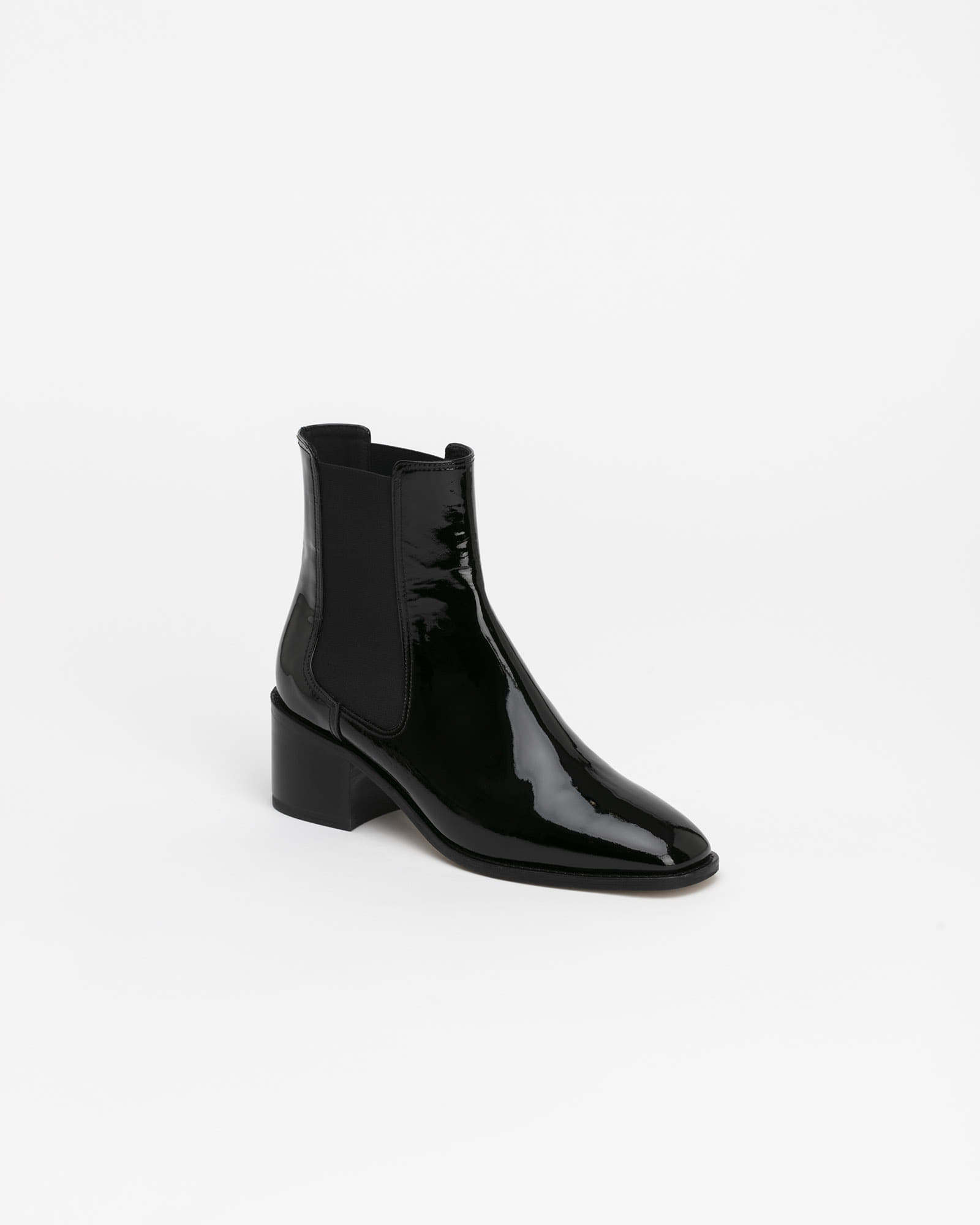 Pantoma Chelsea Boots in Black Patent