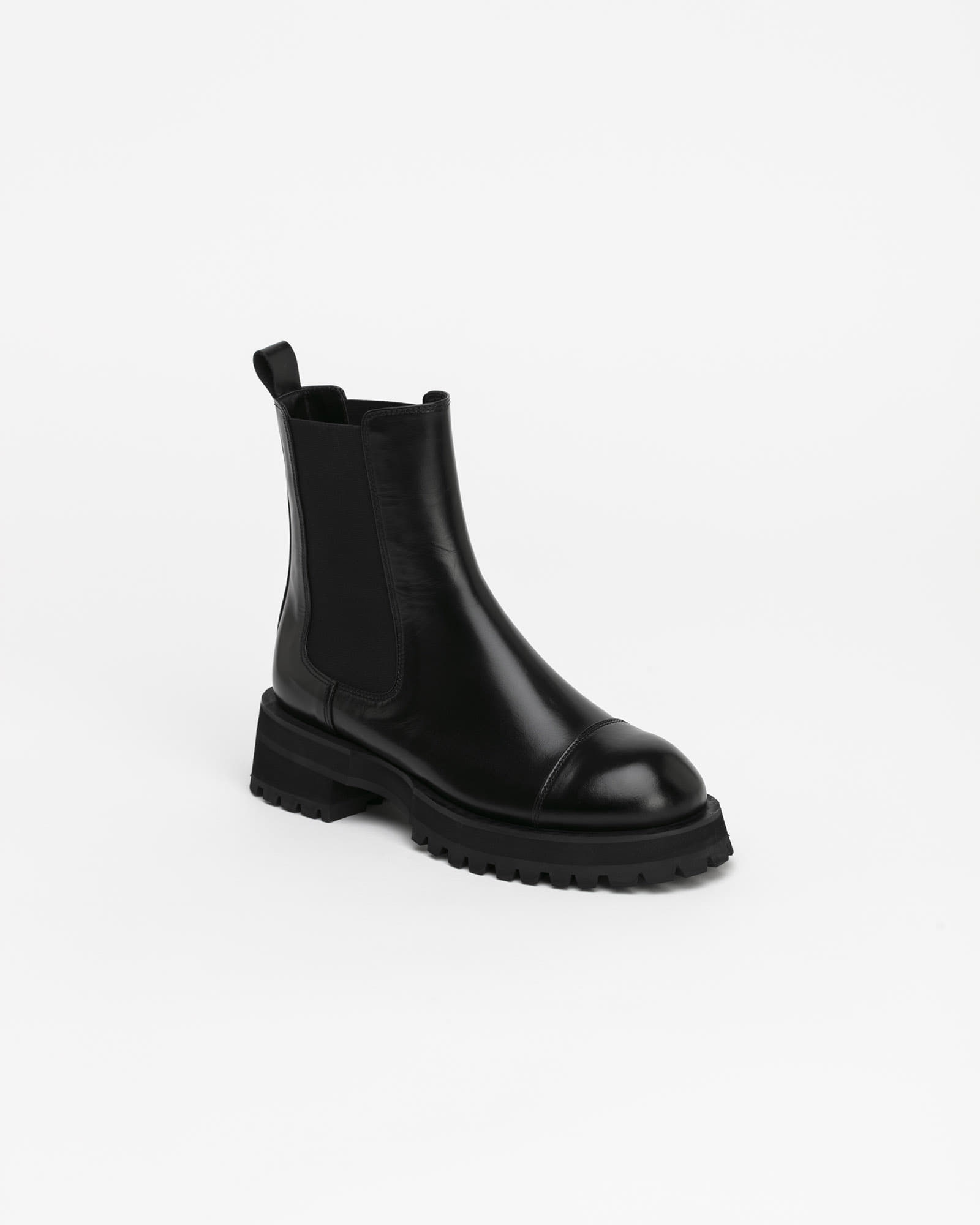 Lapost Chelsea Boots in Black
