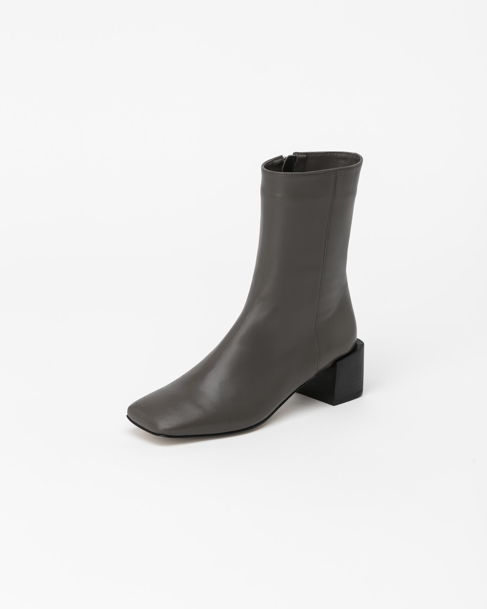 Carlotte Boots in Solid Gray