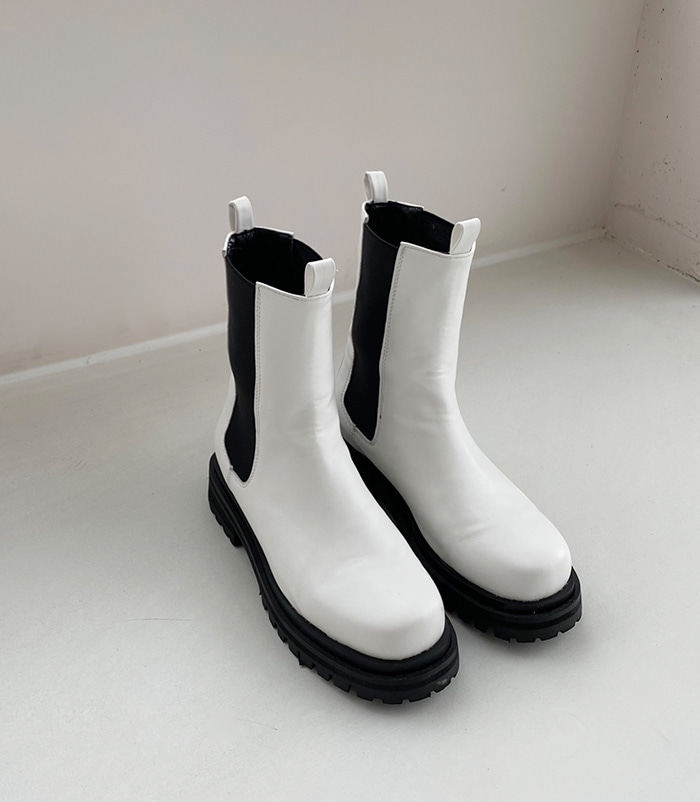 6301 Shoes (white)