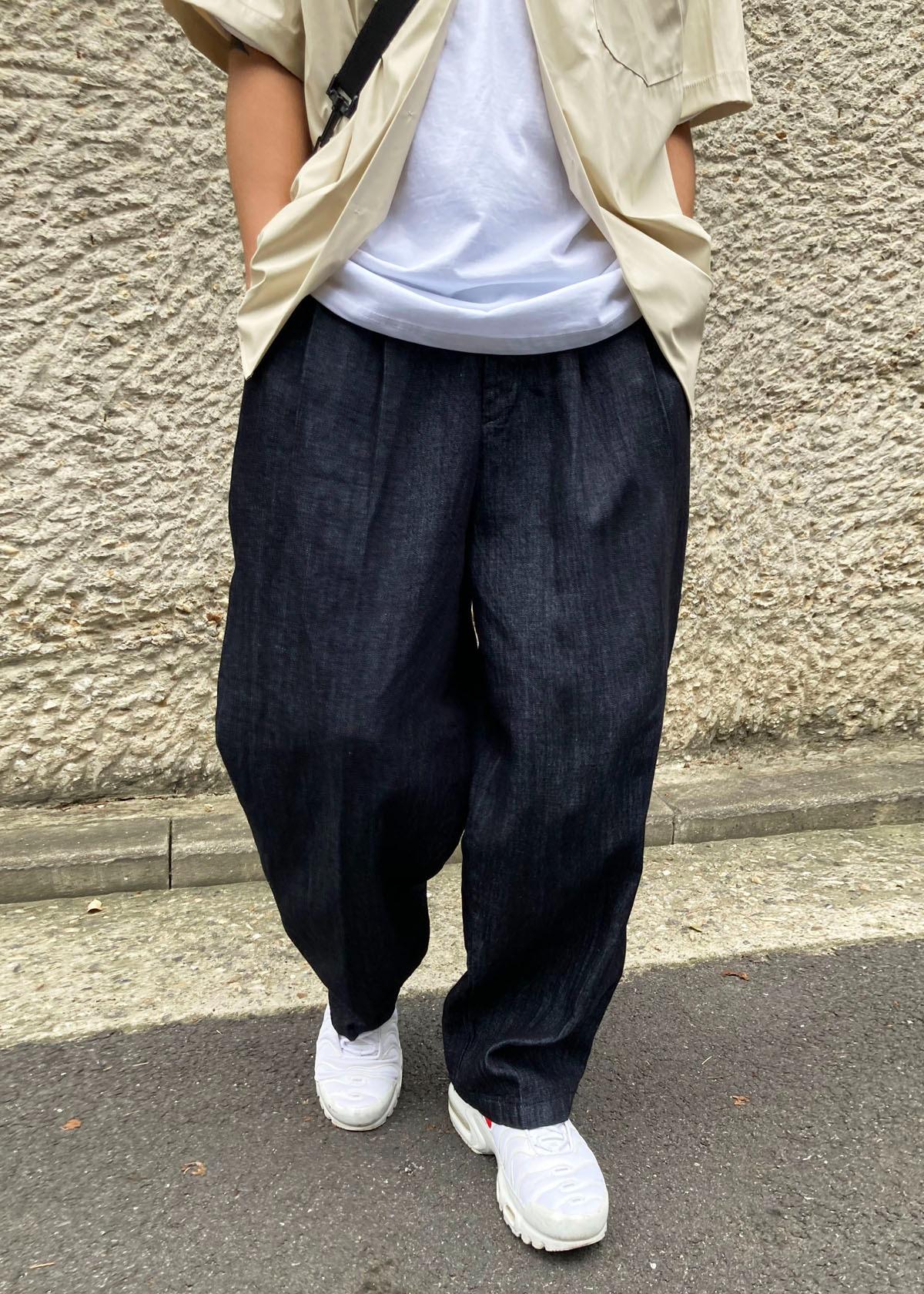 Linen Two Tuck Wide Black Balloon Pants