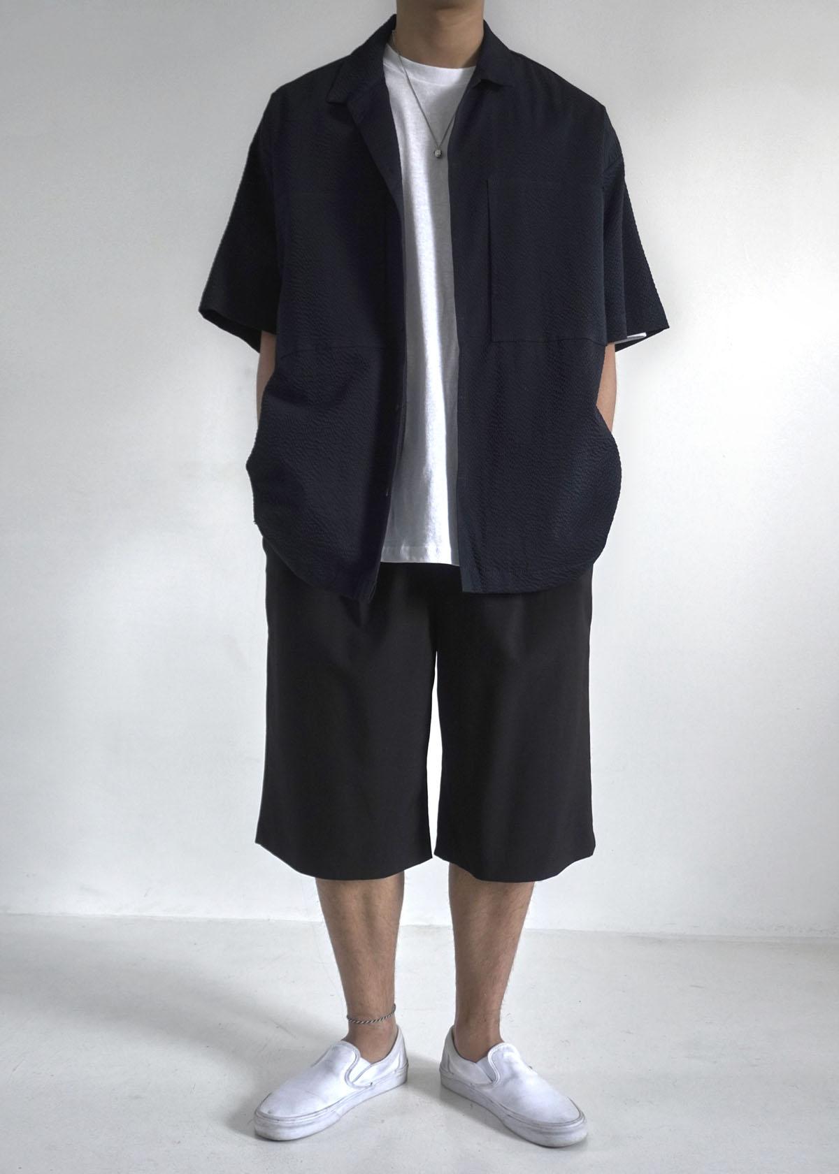 6' Silky Black Wide Half Shorts