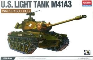 13285  1/35 US Light Tank M41A3 Walker Bulldog