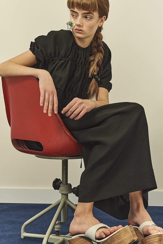 HS21 BLACK STRING DETAIL DRESS