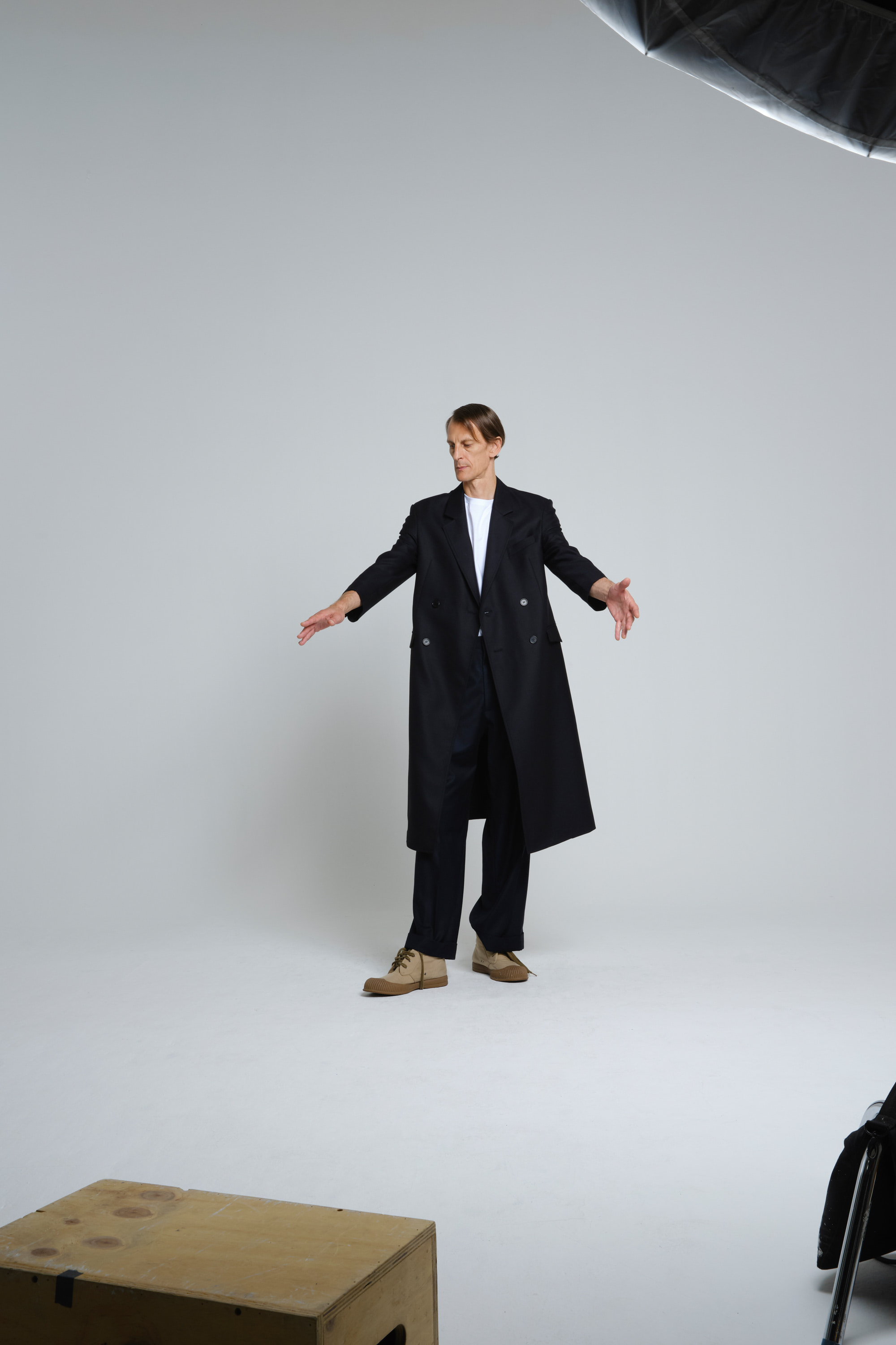 CLASSIC WOOL SILK BLEND DOUBLE-BREASTED COAT