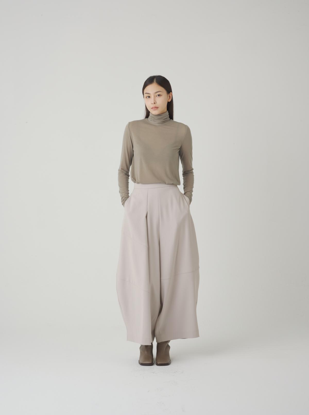 긴팔 티셔츠 모델 착용 이미지-S14L15