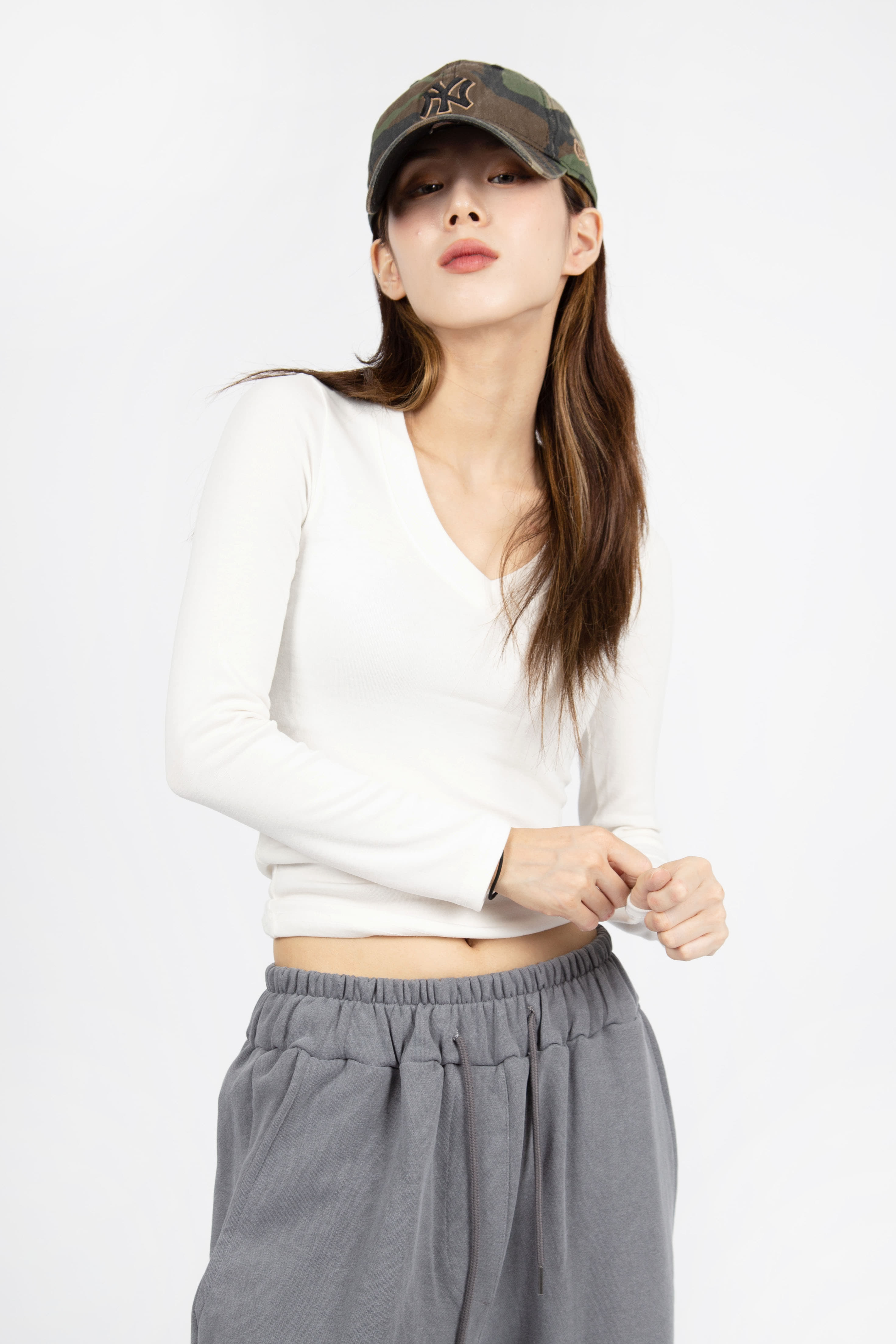 CHEWY V-NECK SLEEVE