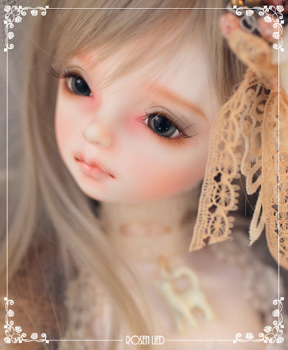 Wednesday's Child Limited Juniper - For Christmas with Rosenlied