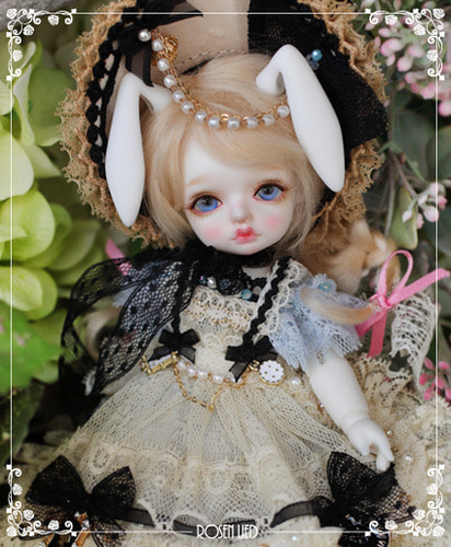 Limited : Monday's Child Limited Mignon - Milky Blue