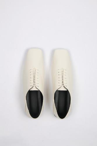 Terri Derbies Leather Ivoryblanc sur blanc blanc sur blanc 블랑수블랑 디자이너 슈즈