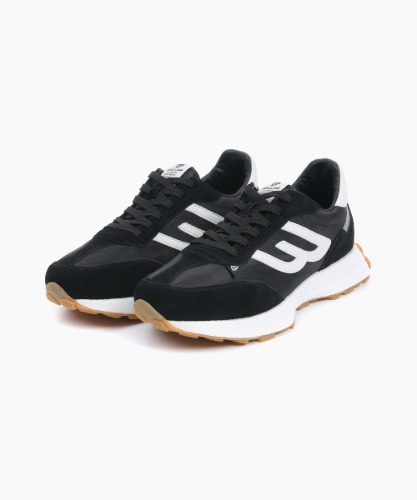 Jogger Wing Sneakers [Black]
