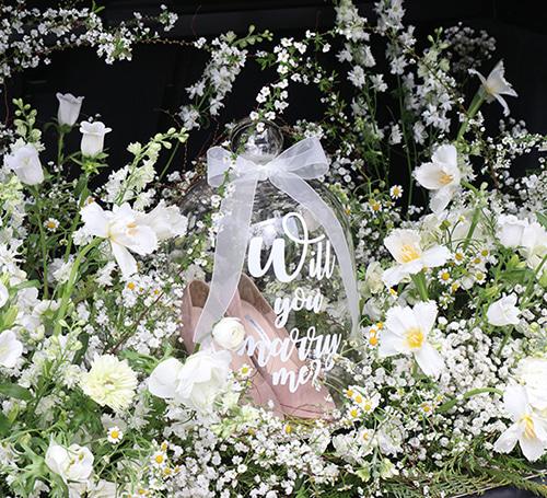 꽃트렁크 웨딩슈즈 프로포즈 패키지(트렁크 생화꽃장식 + 문구 가랜더 + 웨딩슈즈 프로포즈를 한번에!)