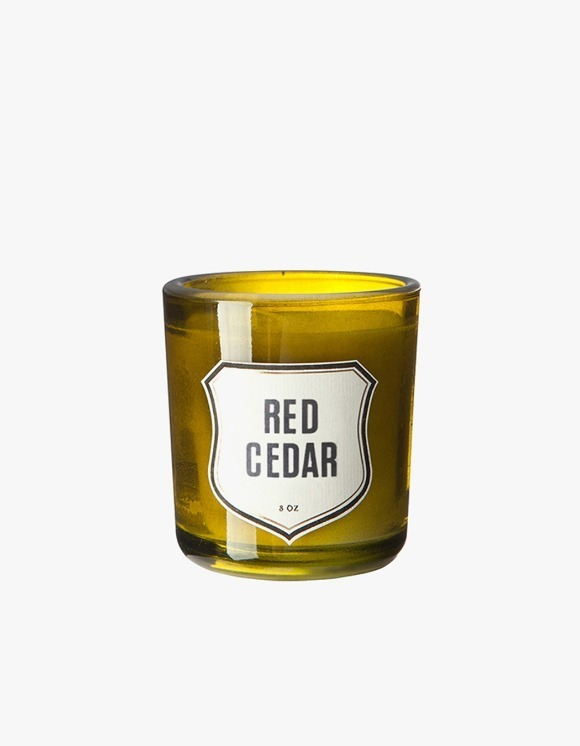 IZOLA NYC Red Cedar Candle   HEIGHTS.   International Store