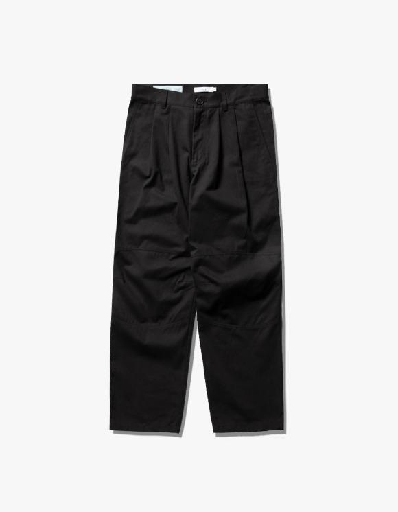 IZOLA NYC Wide Tuck Twill Pants - Black | HEIGHTS. | 하이츠 온라인 스토어
