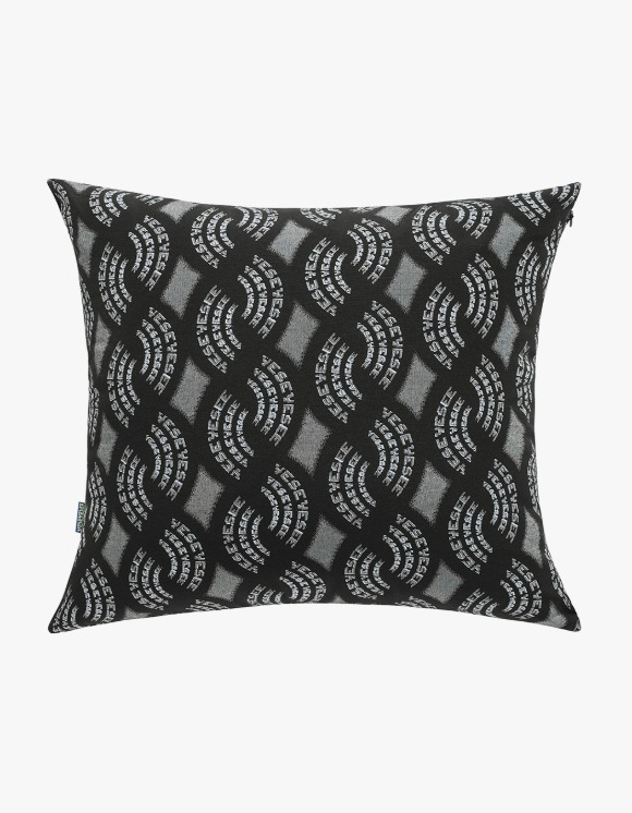 yeseyesee Y.E.S Jaquard Cushion - Black | HEIGHTS. | International Store