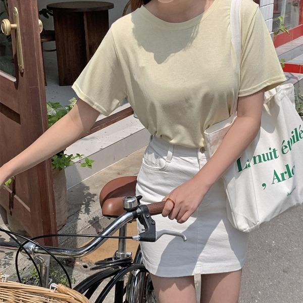 輕柔彈力圓領微短版T恤