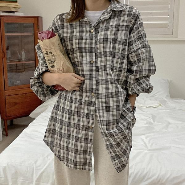 淡色格紋泡泡袖寬鬆襯衫