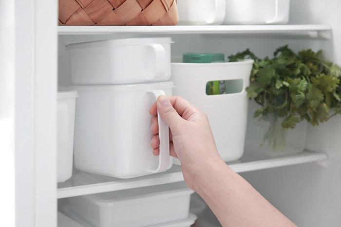 NEW 화이트 손잡이 찬통 밀폐 보관용기 냉장고용기 양념통