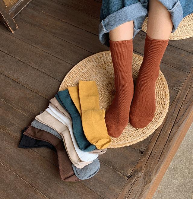 日常素色款細羅紋中長襪