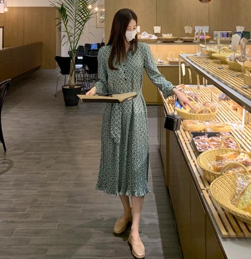 獨特印花V領綁帶百褶長洋裝