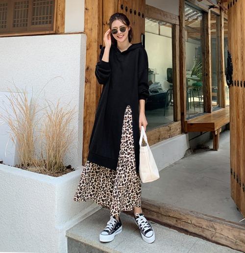 豹紋荷葉襬拼接連帽長洋裝