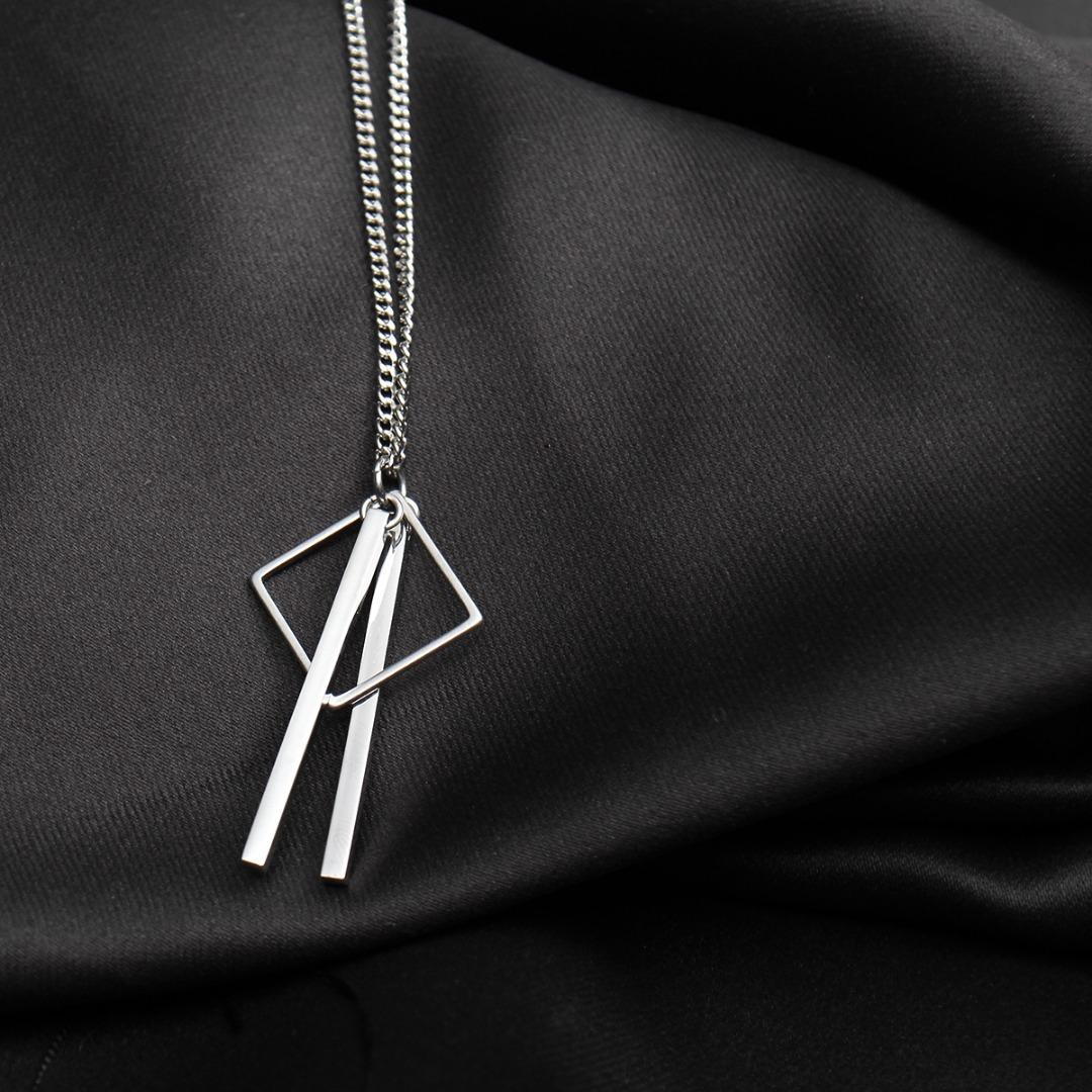 Square & Double Sticks Pendant Necklace N119