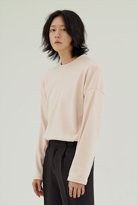 ソリッド長袖Tシャツ