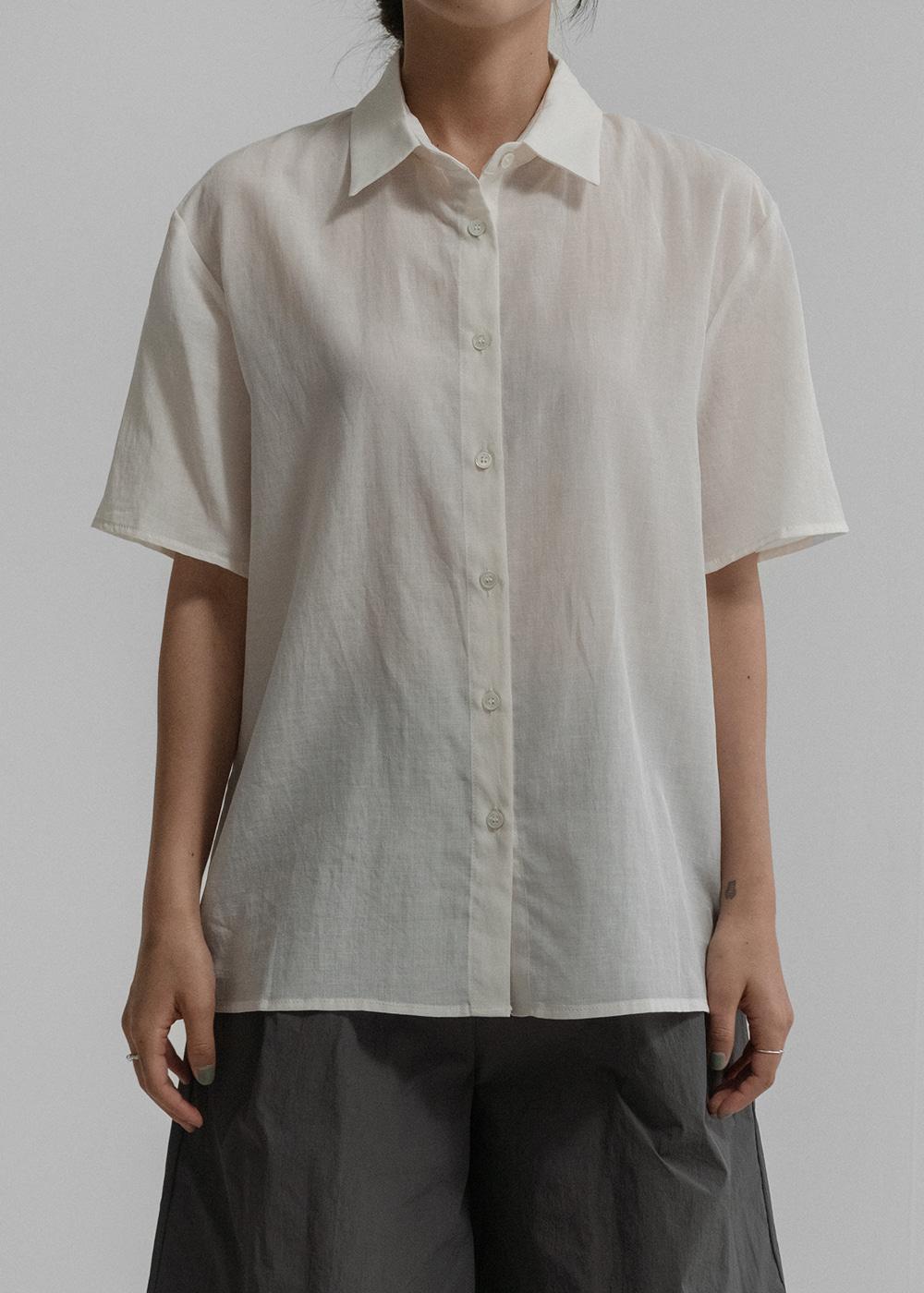 [NYUNYU WEAR] Short-sleeved shirt