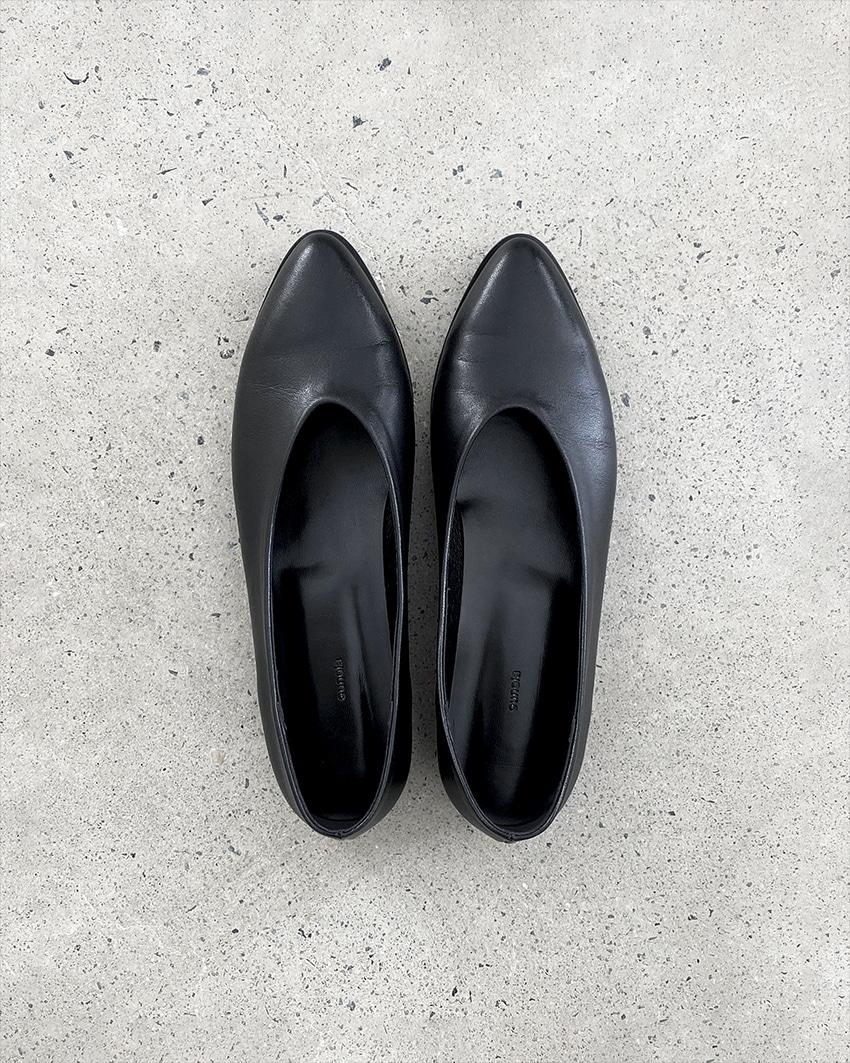 v cut flat shoes (open, 주문일 기준 2주 후 발송)